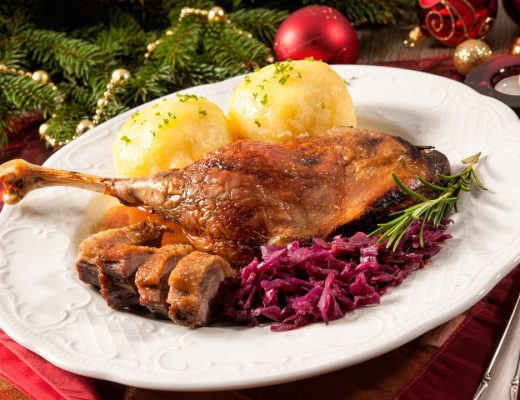 goose leg with red cabbage & dumplings