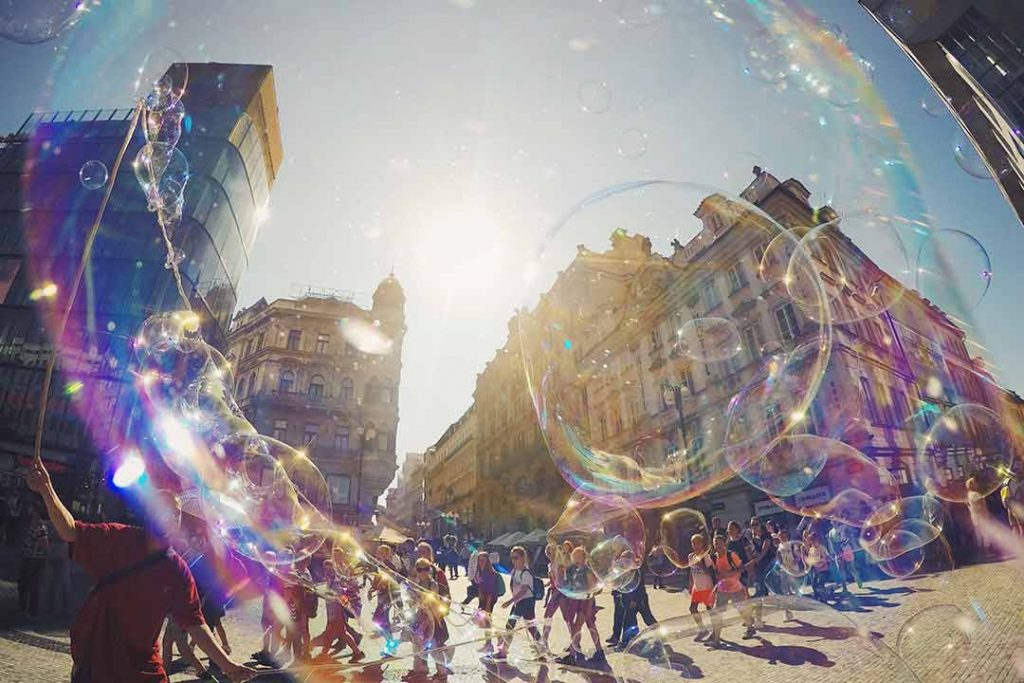 Bubble, bubble performance, street and performer HD photo by Vitaliy Paykov (@paykoff) on Unsplash