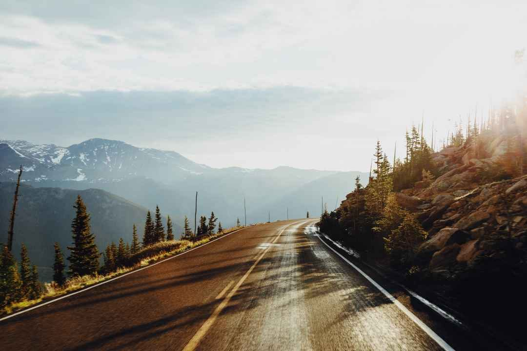 road through the mountains