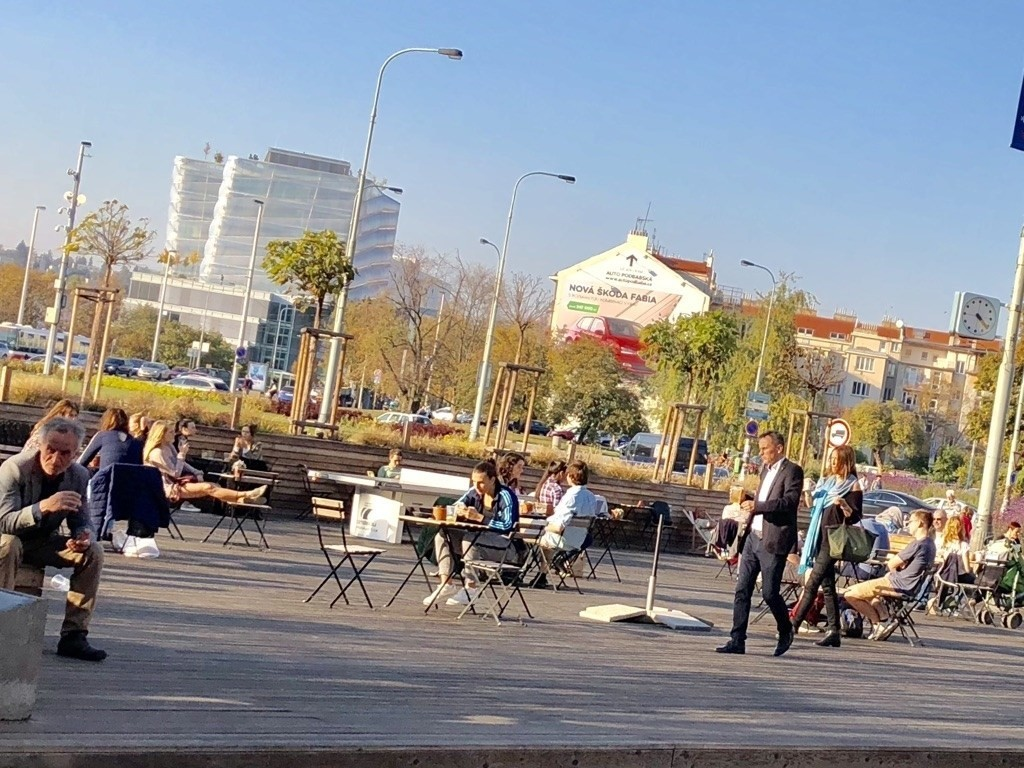 outdoor cafe at Dejvice roundabout